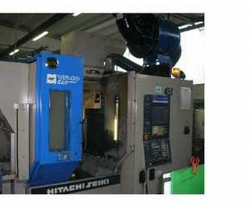 Vertical machining center With pallet changer HITACHI SEIKI