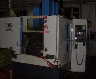 Vertical machining center With pallet changer LEADWELL