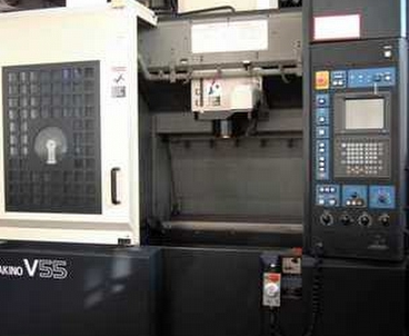 Vertical machining center With pallet changer MAKINO